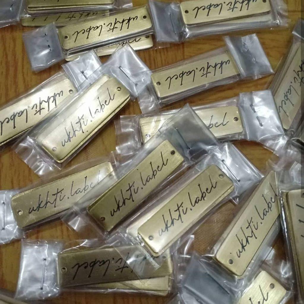 Jasa Pembuatan Plat Etching Label Meruya